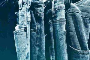 Spijkerbroek laten krimpen: 3 manieren om jeans te laten krimpen